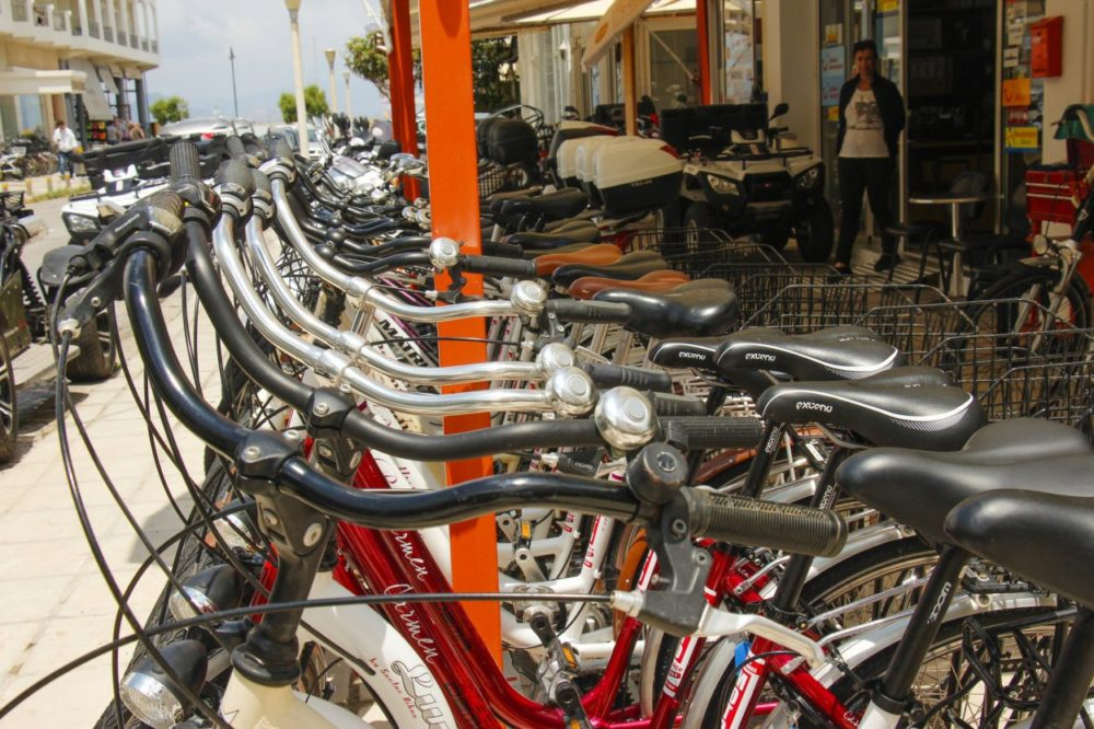 Cykling på Kos: Termiske kilder, en sort strand og lokale oplevelser