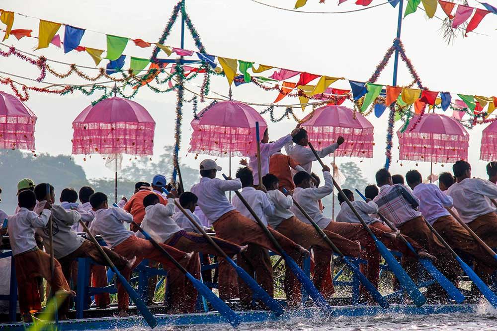 Phaung Daw U Pagoda Festivalen