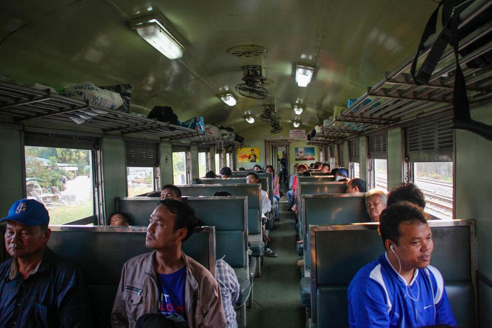 lokalt tog til Cambodja