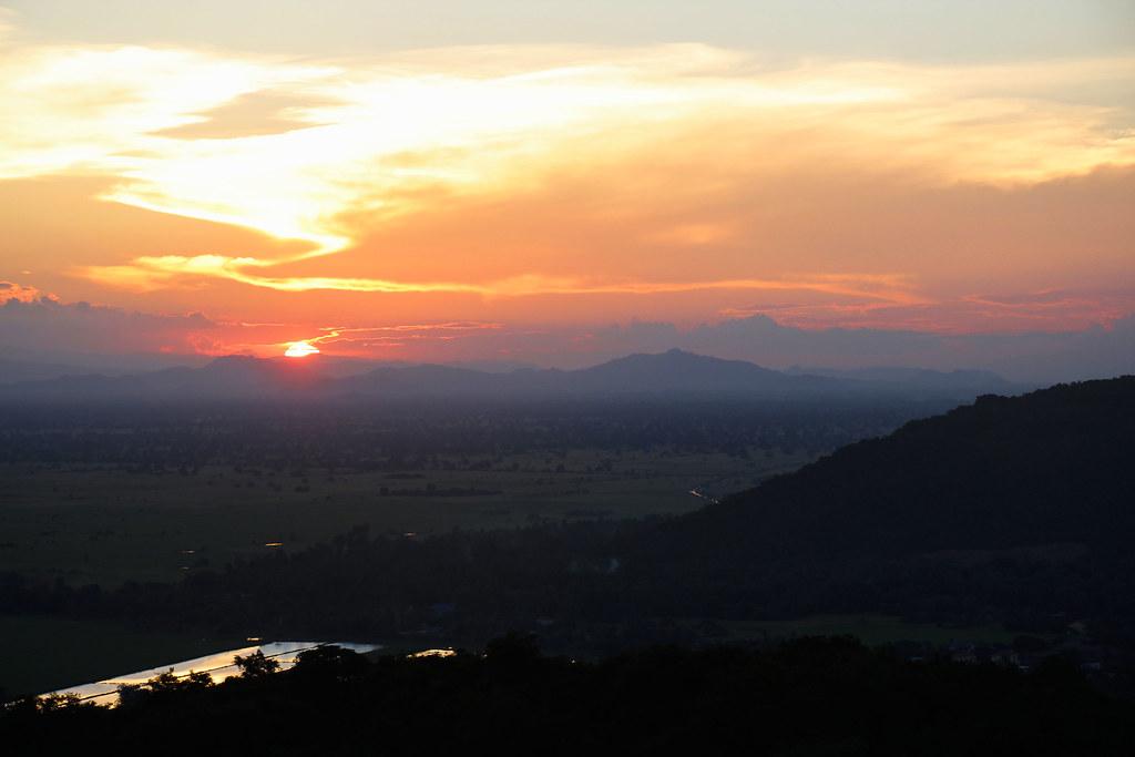 solnedgang i battambang