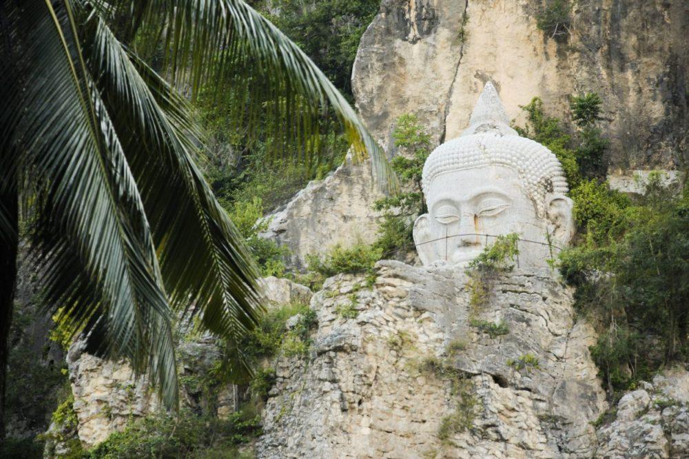 Templer, grotter og flagermus i Battambang, Cambodja