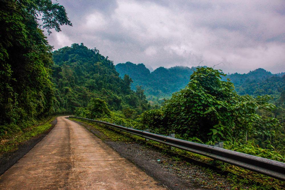 Vejen til Dark Cave, Vietnam