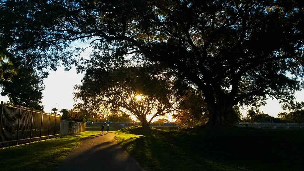Solnedgang ved Ross River, en skjult skat i Townsville