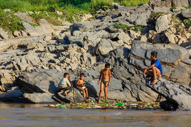 lokale børn i Laos