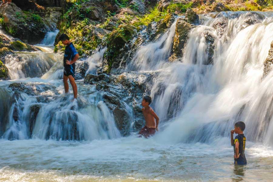 vandfald ved Luang Prabang