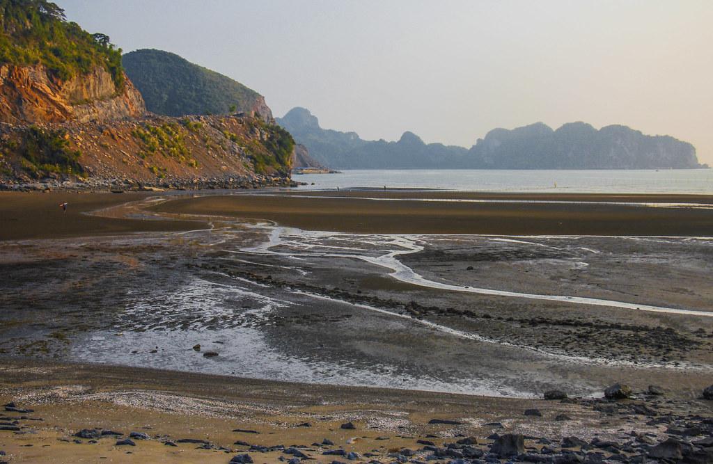 strand på Cat Ba Island