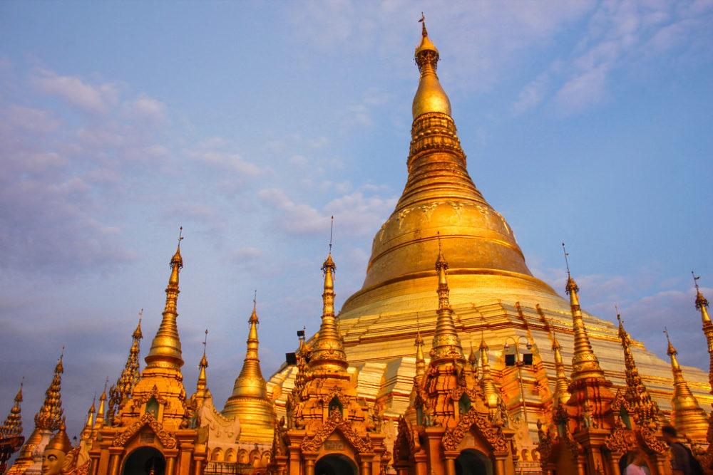 Overvældende skønhed ved Shwedagon Pagoden i Yangon