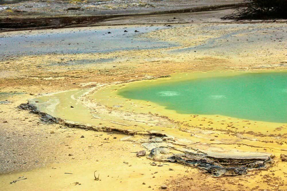 wai-o-tapu national park