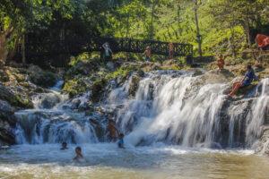 Nadeuay vandfaldet i luang prabang