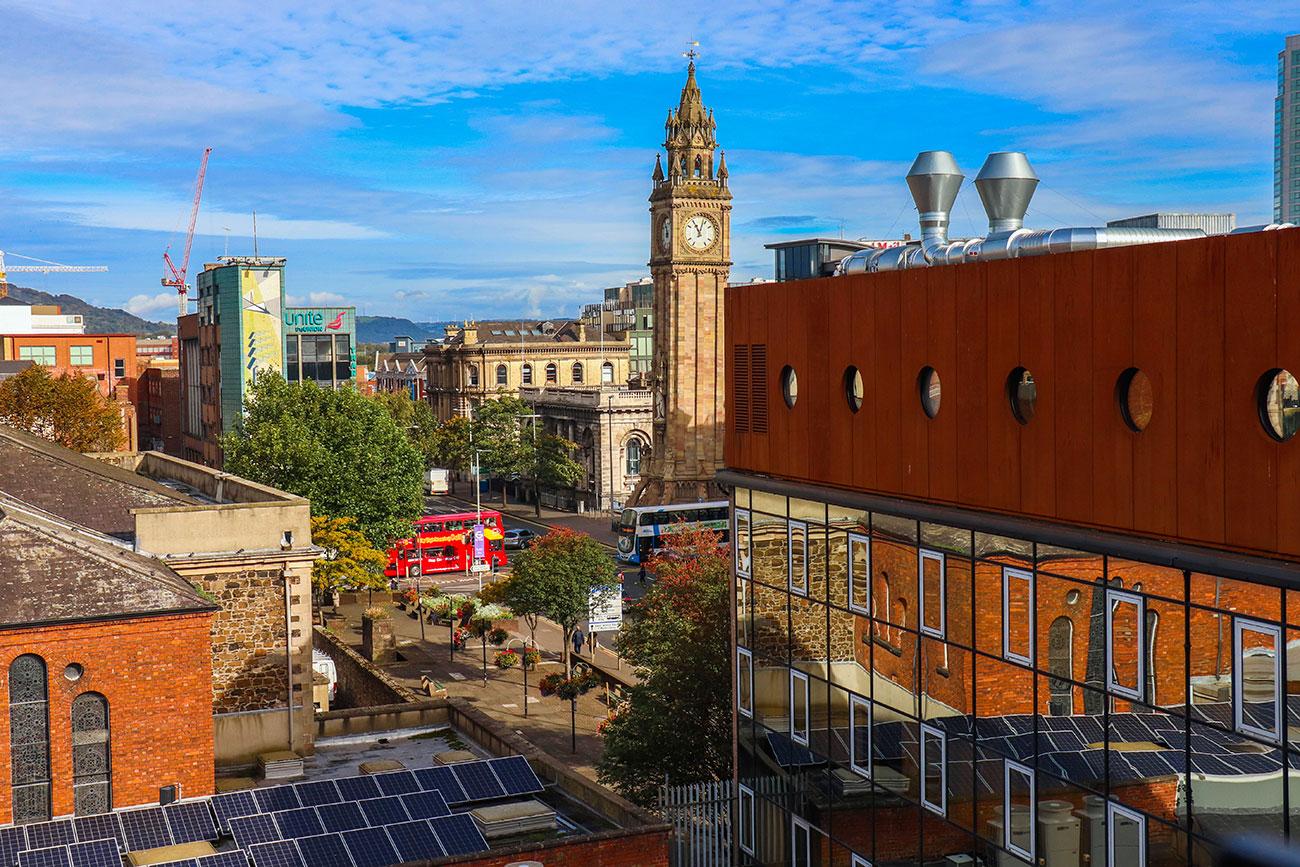 udsigten over Belfast fra babel