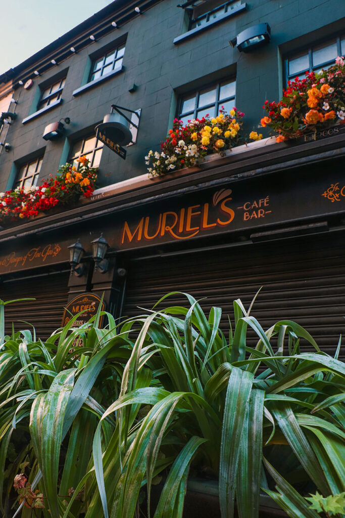 muriel's cafe bar