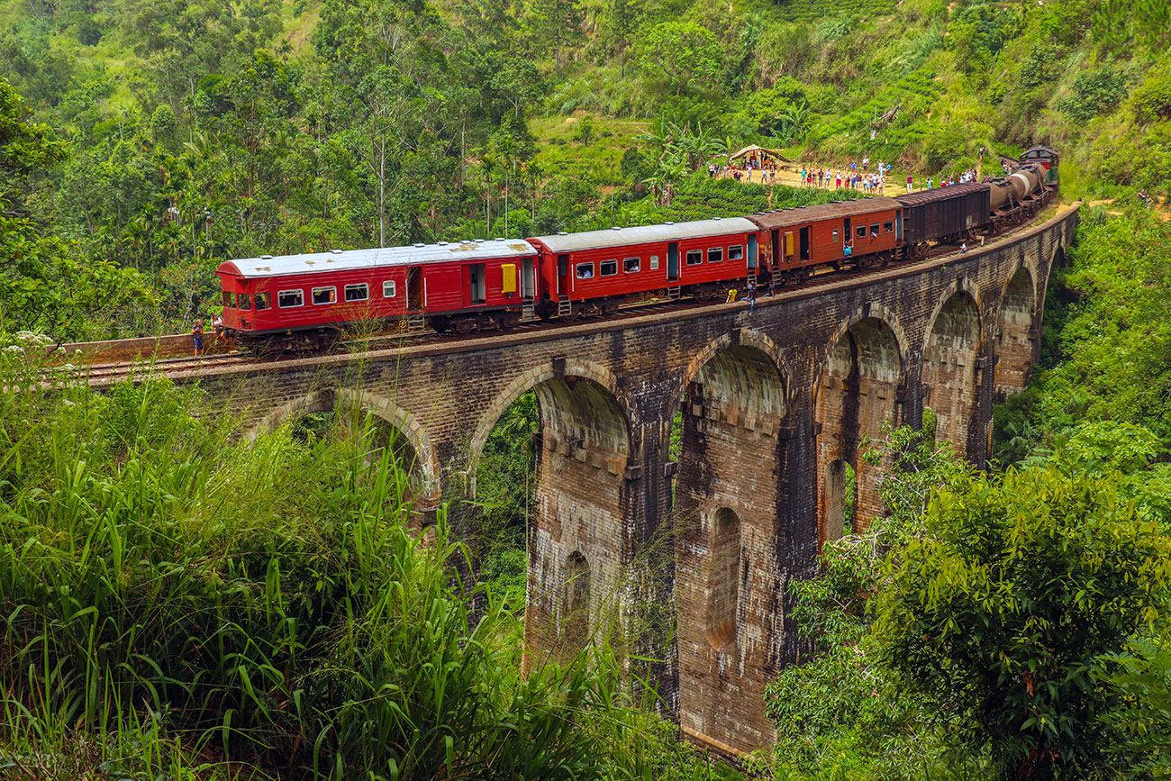 nine arch bridge, ella, sri lanka