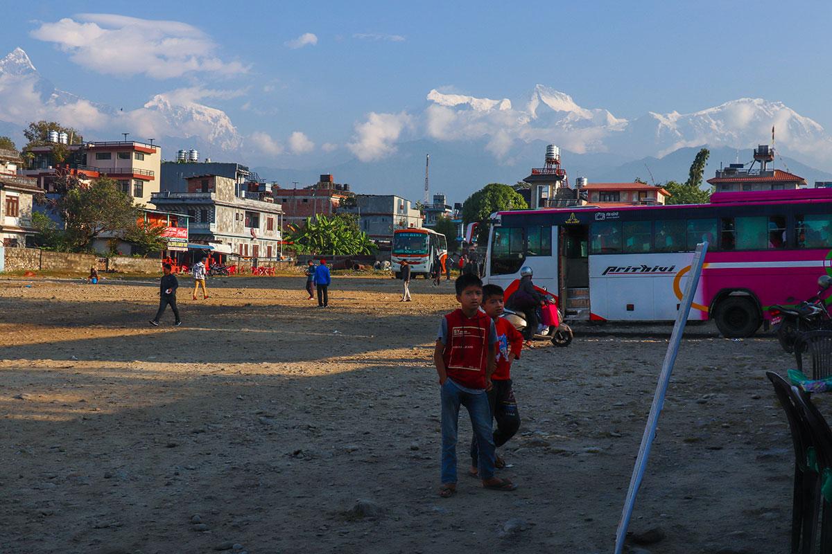 busstationen i Pokhara, Nepal