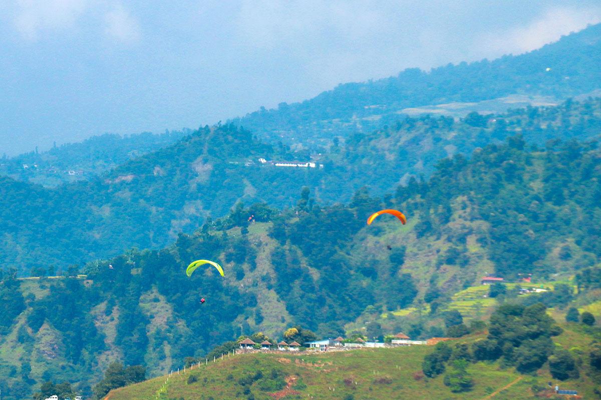 paragliding i Nepal