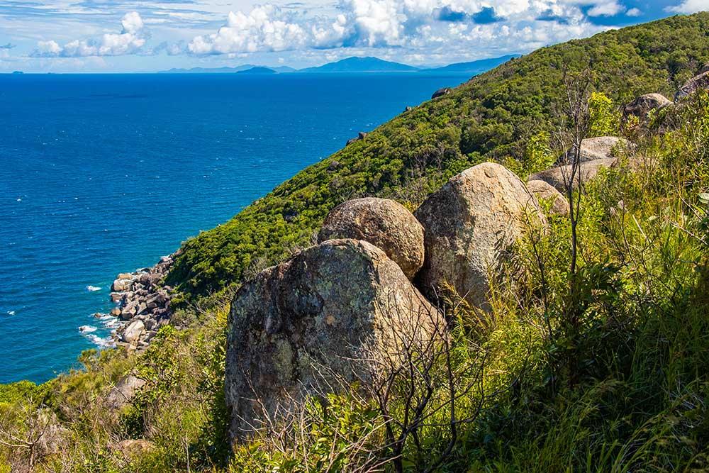 lighthouse track, fitzroy island